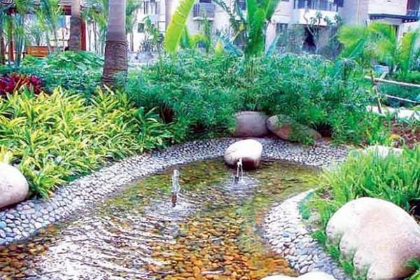 山水兰庭水池实景图